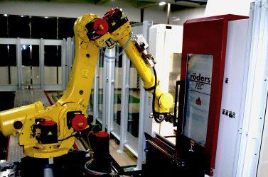 Robot CNC